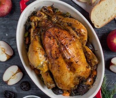 Pollo ripieno con salsiccia, mele e Prugne della California